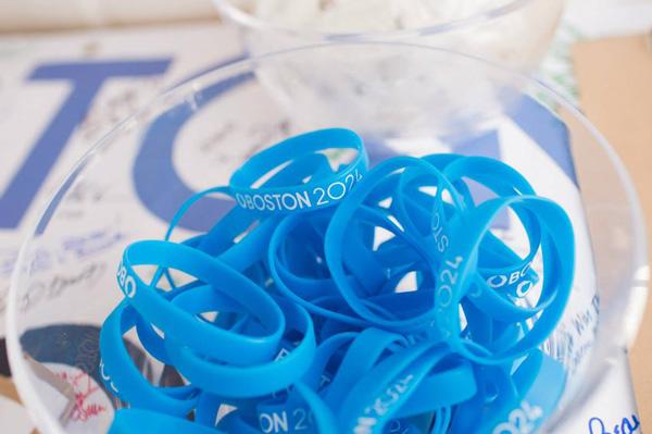 boston_2024_bid_wristbands美国波士顿申办2024年奥运会标识出炉5