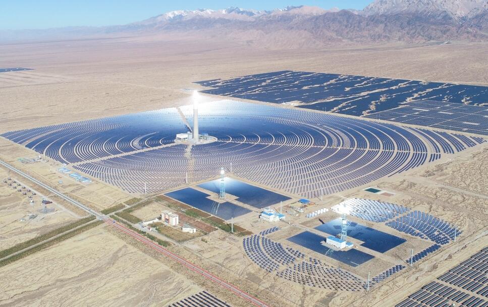 青海中控太阳能德令哈50MW塔式熔盐储能光热电站1.jpg